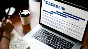 la renovación del registro de marca, te permite mantener tu marca protegida por periodos de 10 años de forma indefinida